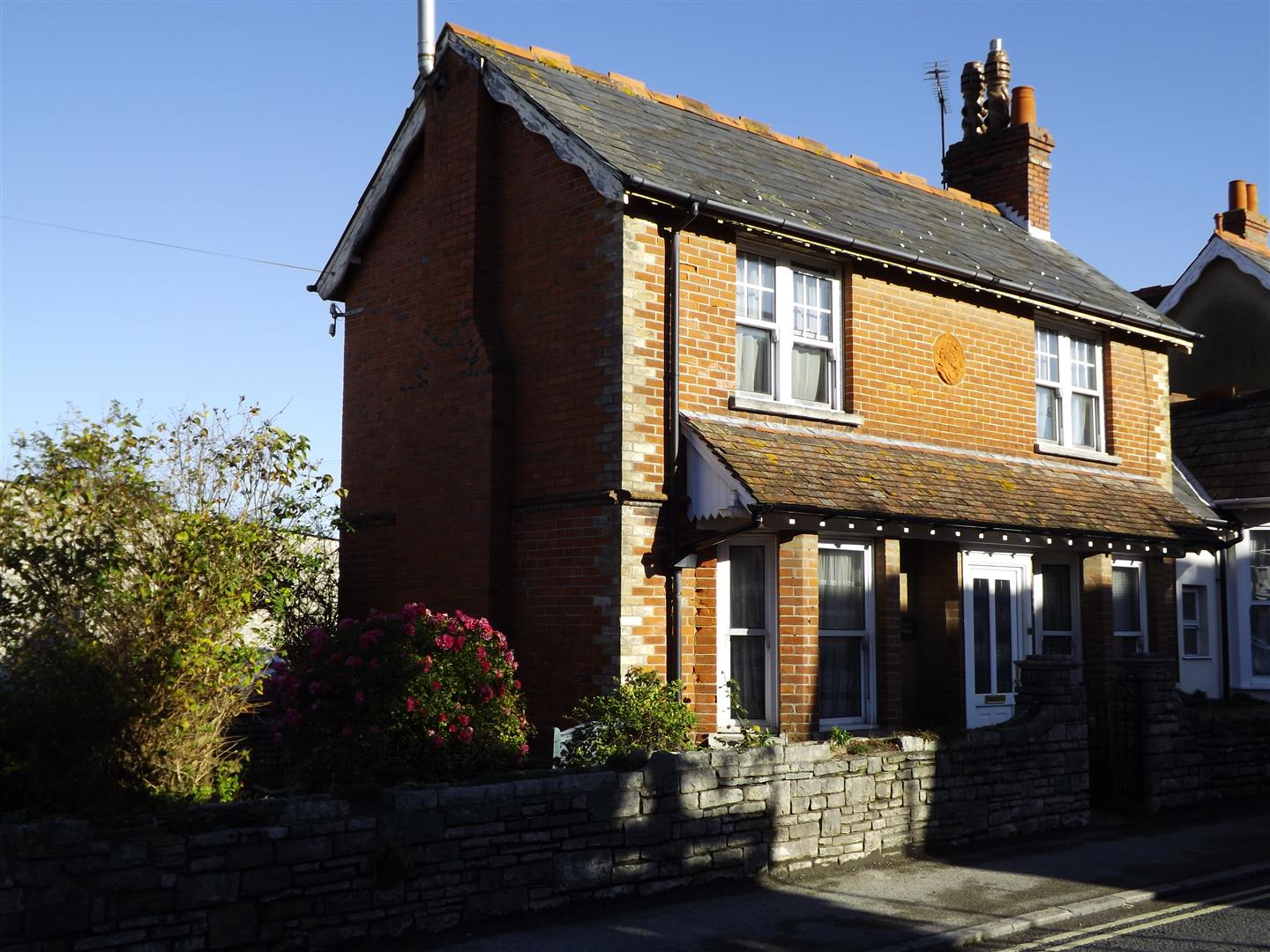 3 Bedrooms Semi Detached House for sale in Kings Road West, Swanage